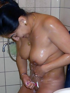 my-wife-nude-shower