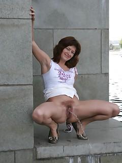 Pee in public tgp